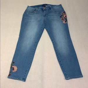 Blue Spice Floral Embroidered Skinny Jeans 13
